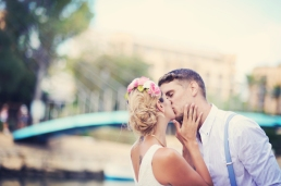 wedding photographer in Cornwall creative kissing front page