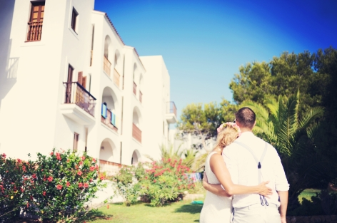 Sophie and Olly honey moon wedding Ibiza destination web 1