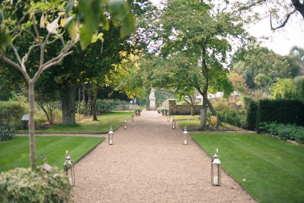London bride wedding Chelsea Physic Garden and registry office 27