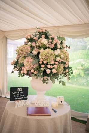 London bride wedding Chelsea Physic Garden and registry office 43