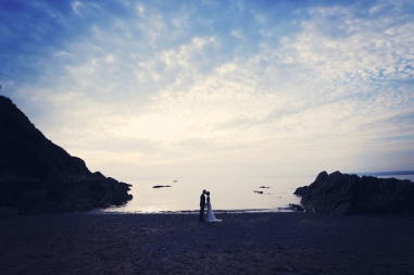 Liberty Pearl natural wedding photographer Cornwall Polhawn Fort beach 20