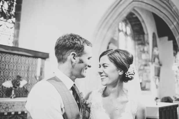 roadford-lake-devon-summer-wedding-liberty-pearl-photography-5
