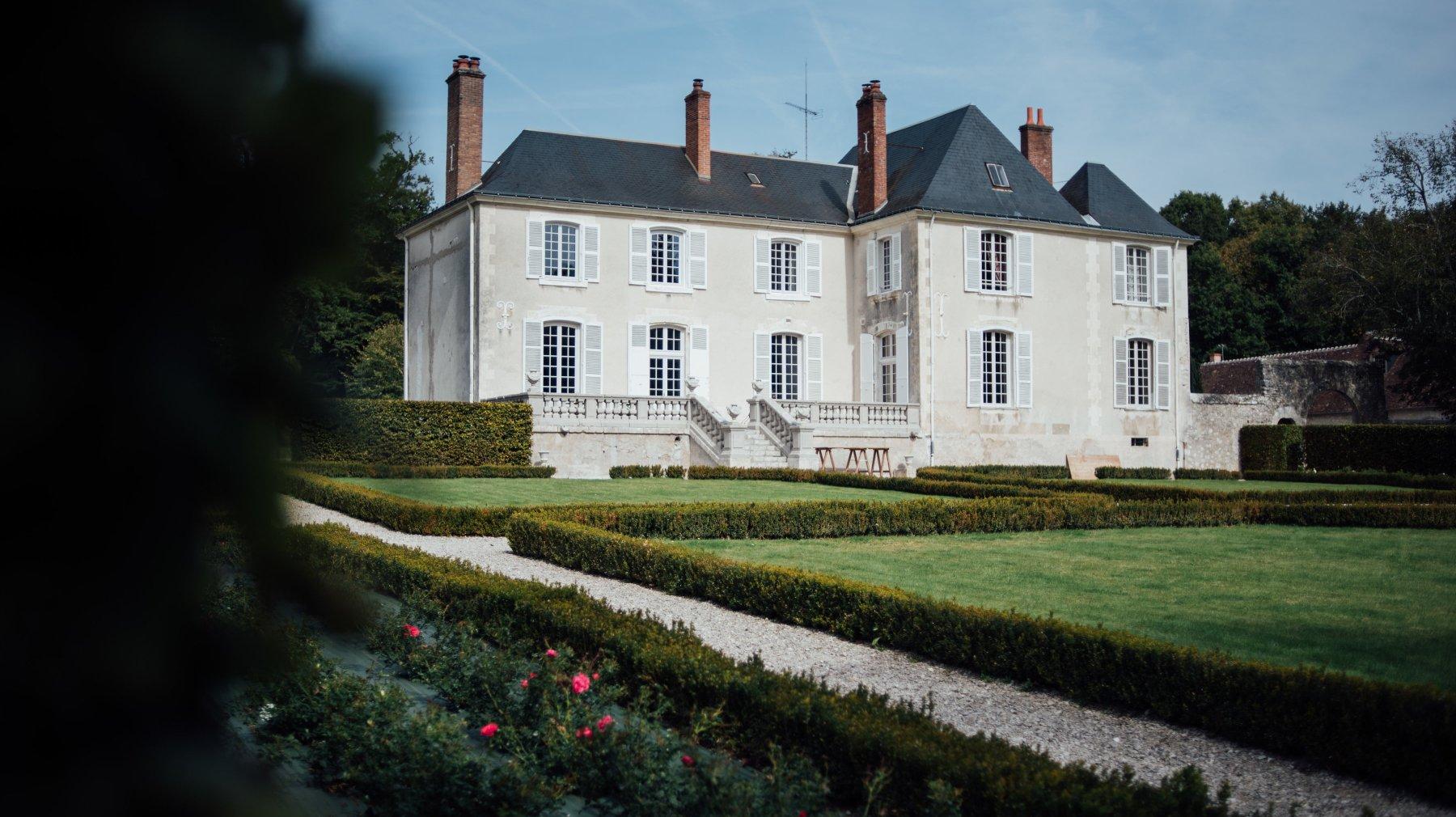 Destination Wedding France photographer - Kristof and Eva Get Married in Le Manoir de Clenord